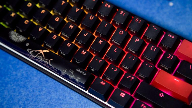 Ducky Mecha Mini - RGBライティングのタイト
