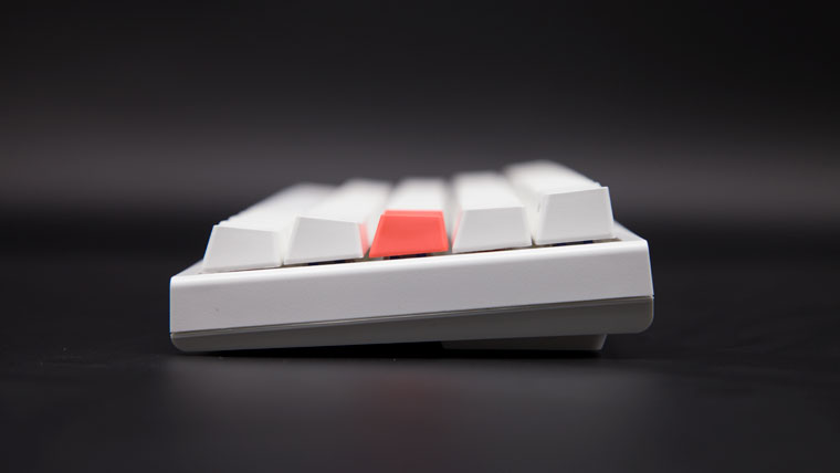 Ducky One 2 Mini Pure White RGB 60% サイドからの見た目