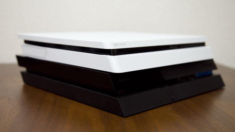 薄型PS4 - 旧型との比較2