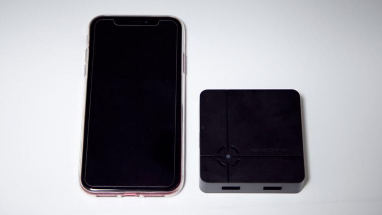iPhone XR と ReaSnow S1 のサイズ比較