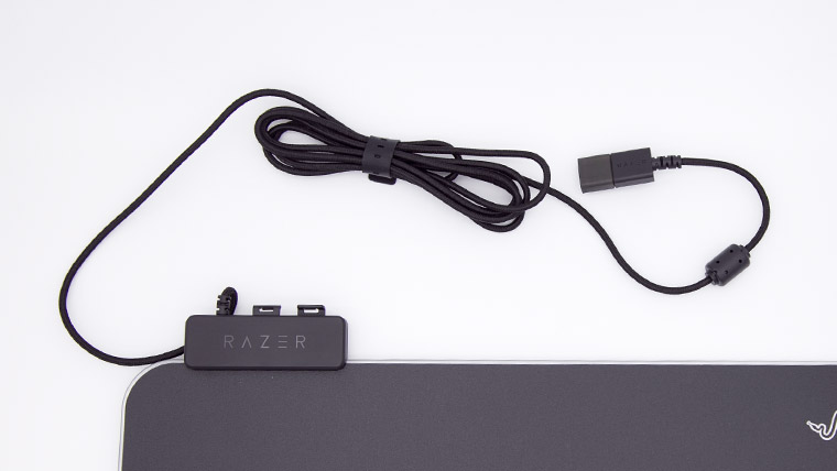 Razer Firefly V2 - USBケーブル