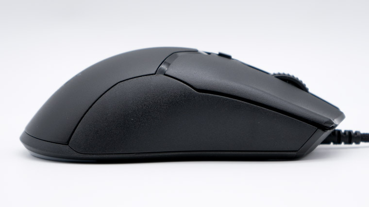 Razer Viper Mini - 右サイド