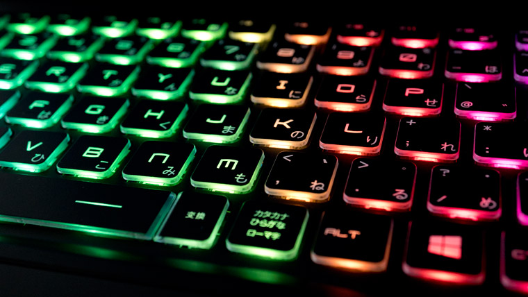 RGBに光るキーボード