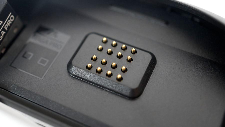 Razer Naga Pro 16ピン端子