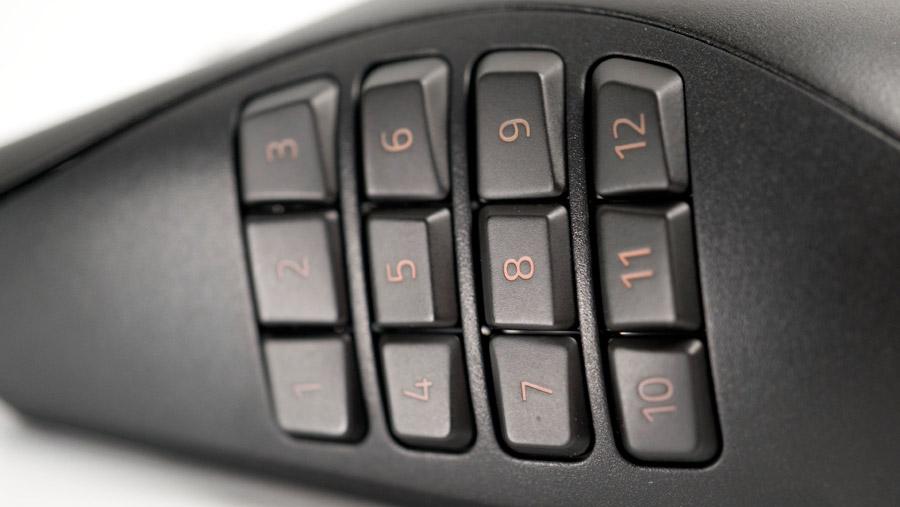 Razer Naga Pro 光る12ボタン