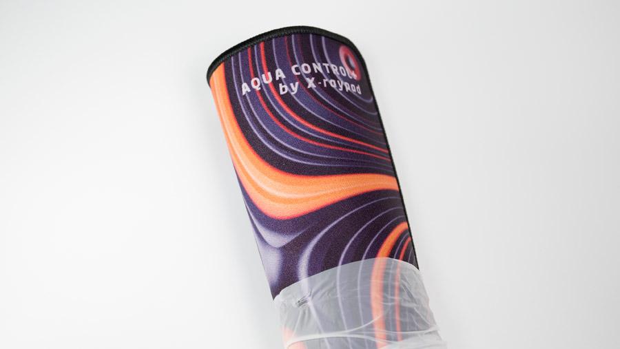 ROB Strata Aqua Control+ 薄手の袋に包まれている