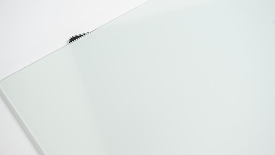 白は半透明